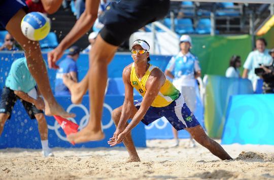 图文-巴西选手获铜牌 里卡多-桑托斯在比赛中