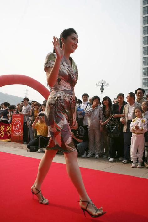 图文-大连礼仪小姐风采 很有名模风范