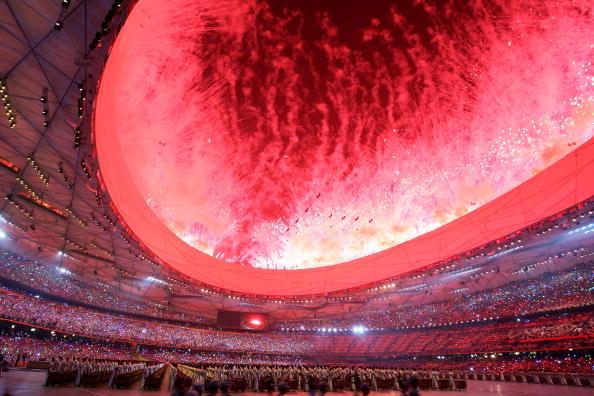 图文-北京奥运会开幕式回顾 鸟巢体育场烟火弥漫