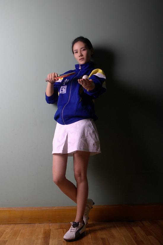 图文-乒乓宝贝何佳怡 银球翻飞