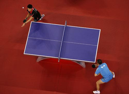 图文-奥运会乒乓球经典瞬间回顾 俯瞰选手比拼