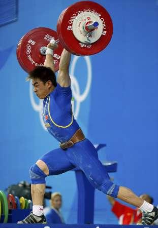 图文-08奥运会举重比赛集锦 廖辉力压群雄夺冠