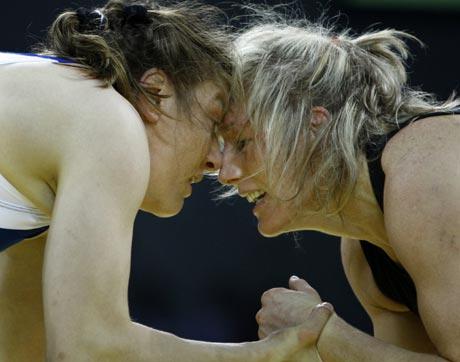 图文-奥运会自由式摔跤回顾 双方陷入僵持