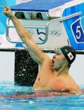 图文-100米蛙泳北岛康介卫冕 破纪录一刻豪气迸发