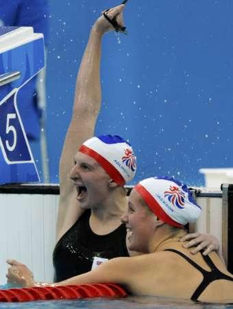 图文-女子400自阿德灵顿夺冠 阿德灵顿夺冠瞬间