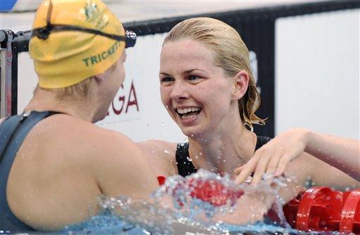 图文-斯特芬获50米自游泳冠军 冠亚军相视而笑