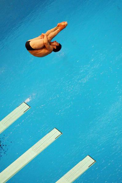 图文-跳水男子三米板半决赛 难度王抱膝翻转