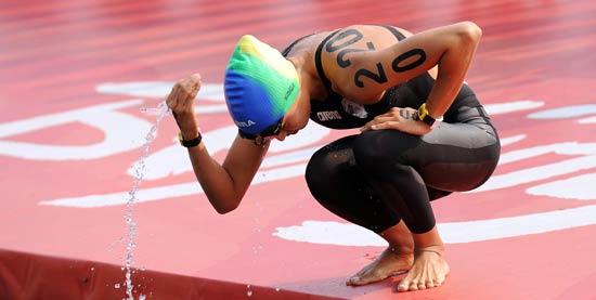 图文-女子10公里公开水域决赛 奥琪玛特赛前准备