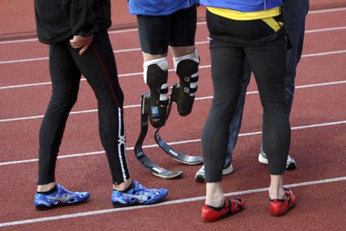 图文-瑞士EAA田径赛赛况 这是无腿飞人的腿