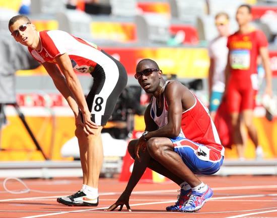 图文-奥运会男子400米预赛 看我俩谁快