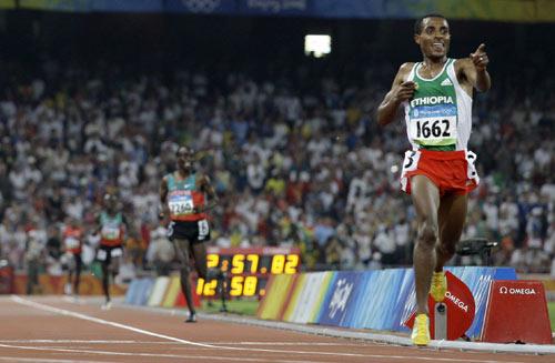 图文-田径男子5000米决赛 胜利在握的感觉