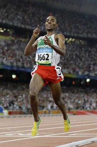 图文-田径男子5000米决赛 我是长跑之王!