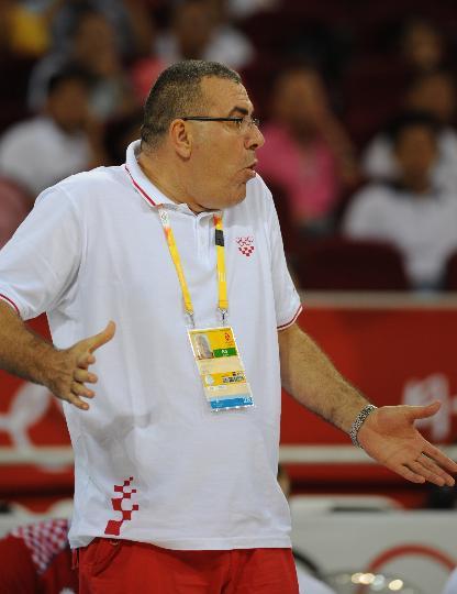 图文-[男篮]伊朗57-91克罗地亚 克罗地亚教练助阵