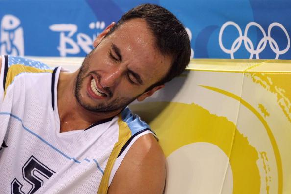 图文-半决赛阿根廷81-101梦八 吉诺比利无奈受伤