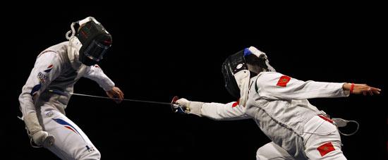 图文-击剑男子花剑个人赛 古亚特15比3大胜