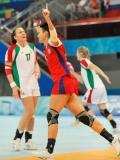 图文-奥运会女子手球半决赛赛况 俄罗斯队庆祝