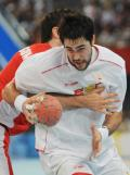 图文-奥运会22日男子手球赛况 赶紧让我过去吧