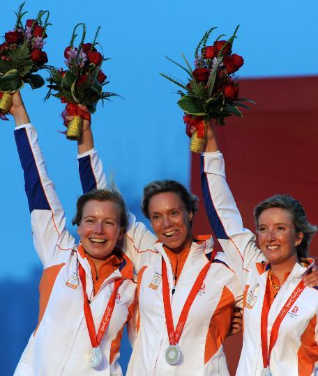 图文-英国队获得女子英凌级冠军 荷兰选手获季军