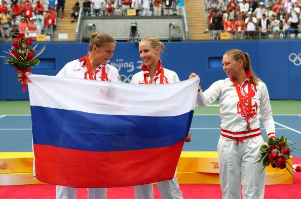 图文-奥运网球女子单打决赛 俄罗斯包揽前三名