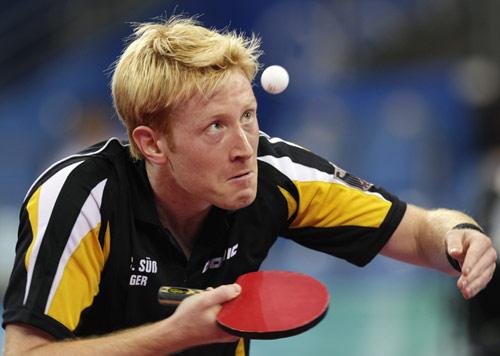 图文-乒乓球男团半决赛打响 发球制造杀机