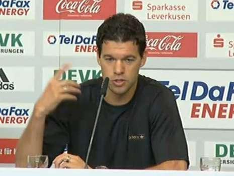 巴拉克:我仍是德国队队长袖标不是随便谁想要就要的