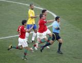 葡萄牙球员施压裁判