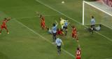 乌拉圭队门前遇险