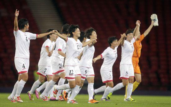朝鲜女足庆祝胜利