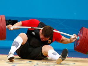 男子105kg以上级德国选手受伤