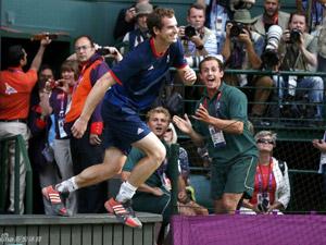 网球男单 穆雷3-0费德勒夺冠