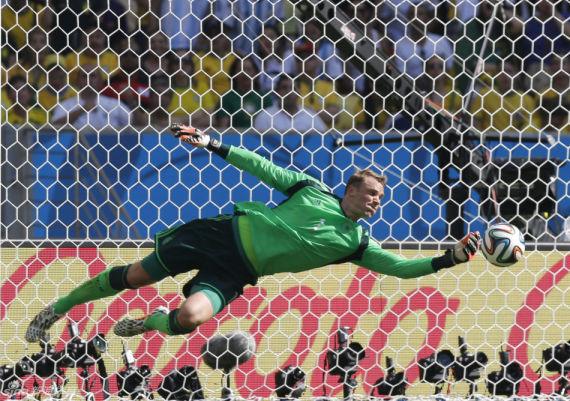 本届世界杯,诺伊尔等数位门将都有极为出色的表现