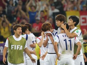 日韩同陷一魔咒!被欧美替补爆中国足球能学到啥