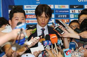 韩国足协宣布洪明甫留任至2015年带队打亚洲杯