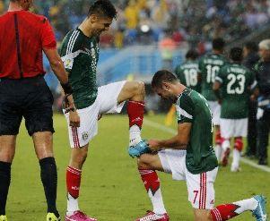 世界杯-埃托奥憾中立柱墨西哥好球被吹胜喀麦隆