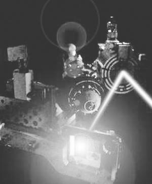 英国科学家用极强X射线可轰击出透明铝