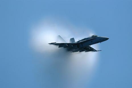"FA-18""超级大黄蜂""超音速飞行"