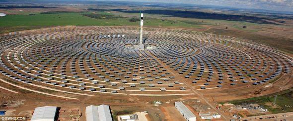 夜间发电:与其他所有太阳能电站不同的是,存储于吉马太阳能电站熔盐池中的热量持续释放的时间可以超过15个小时,从而在整个夜间或没有阳光的情况下也可以保证电站正常发电。