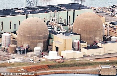 官员们表示两座核反应堆在地震发生后自动关闭