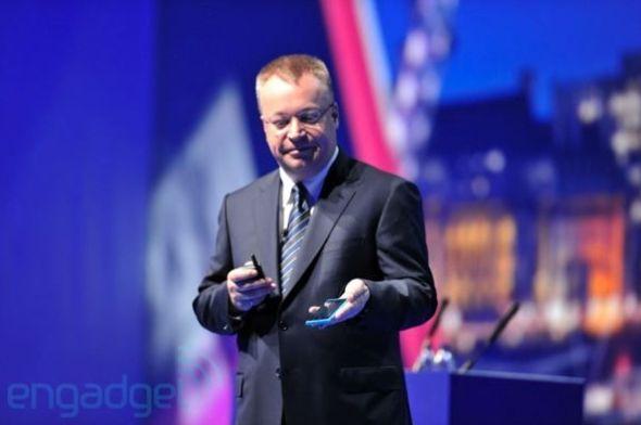 諾基亞CEO史蒂芬·埃洛普展示首批Windows Phone機型