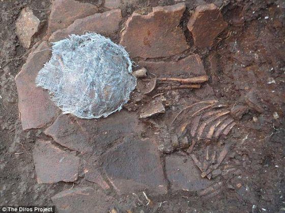 专家们认为阿勒珀特里帕洞的年代可追溯到新石器时代,是欧洲最古老的史前村落之一
