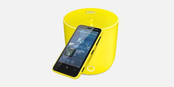 Lumia 620配备500万像素背面摄像头和正面VGA摄像头