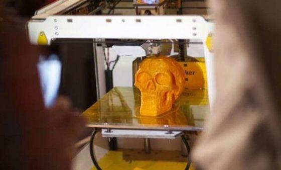 3D打印机体积越来越小,速度越来越快,价格越来越低。有了它任何人都可以成为制造商