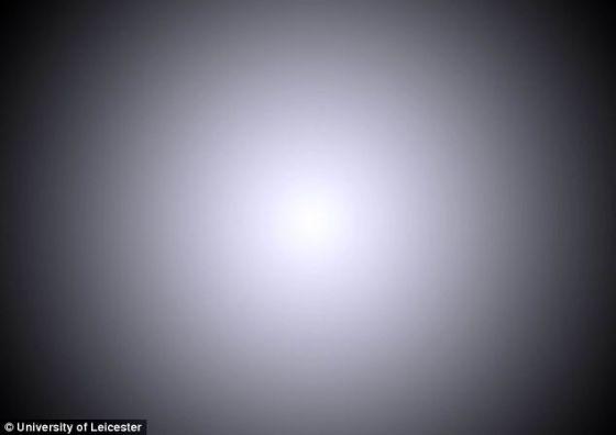 英国莱斯特大学的学生表示超光速飞行的飞船上的乘客将看到这幅图片展示的景象。由于多普勒效应,他们无法看到恒星发出的光线