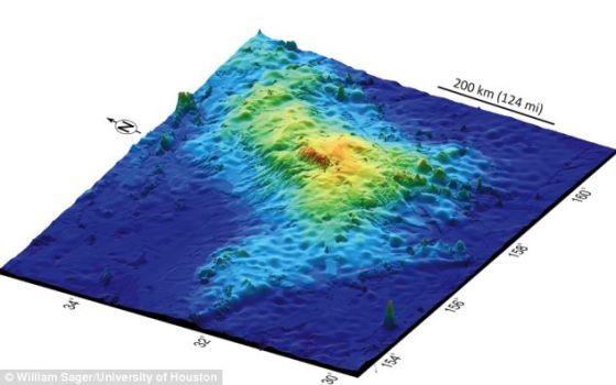 大塔穆坐落在太平洋的海底高原沙茨基隆起(Shatsky Rise)上。休斯顿大学的科学家获得这一发现,目前这座火山仍是个谜,因为大塔穆位于海面下6500英尺(1.98公里)处。科学家利用矿样、雷达和科研数据勘查这座火山的大小