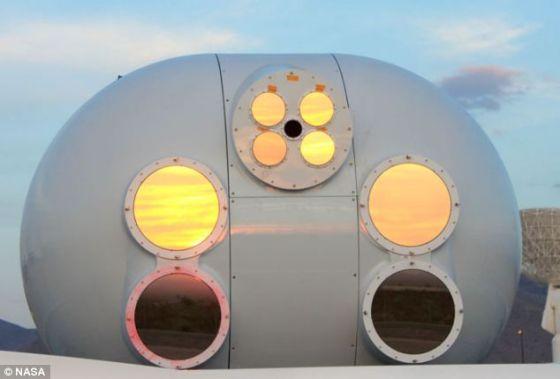 宇航局位于新墨西哥州的白沙试验场,负责向LLCD传输数据和接收LLCD传回的数据