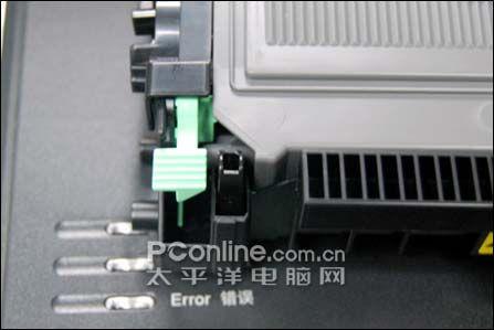 联想lj2200l打印机卡纸了,纸也拉不出来,不敢硬拽,怎么办呀?