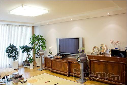 市场直击极具卖点32英寸液晶电视
