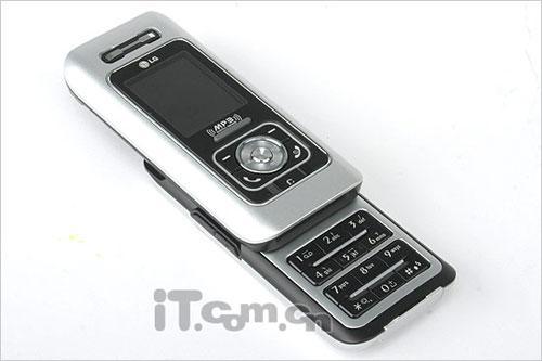 才貌双全LG滑盖音乐手机G259不足千元