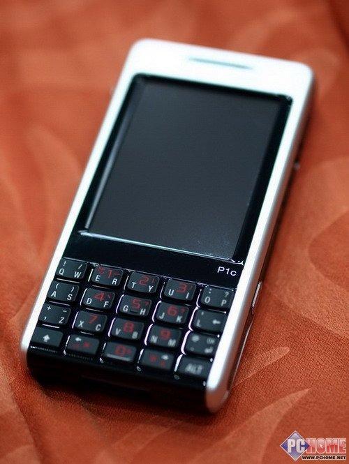 智能商务旗舰索尼爱立信全键盘P1c评测