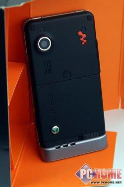2.4寸超大屏索爱超薄滑盖音乐W908c评测